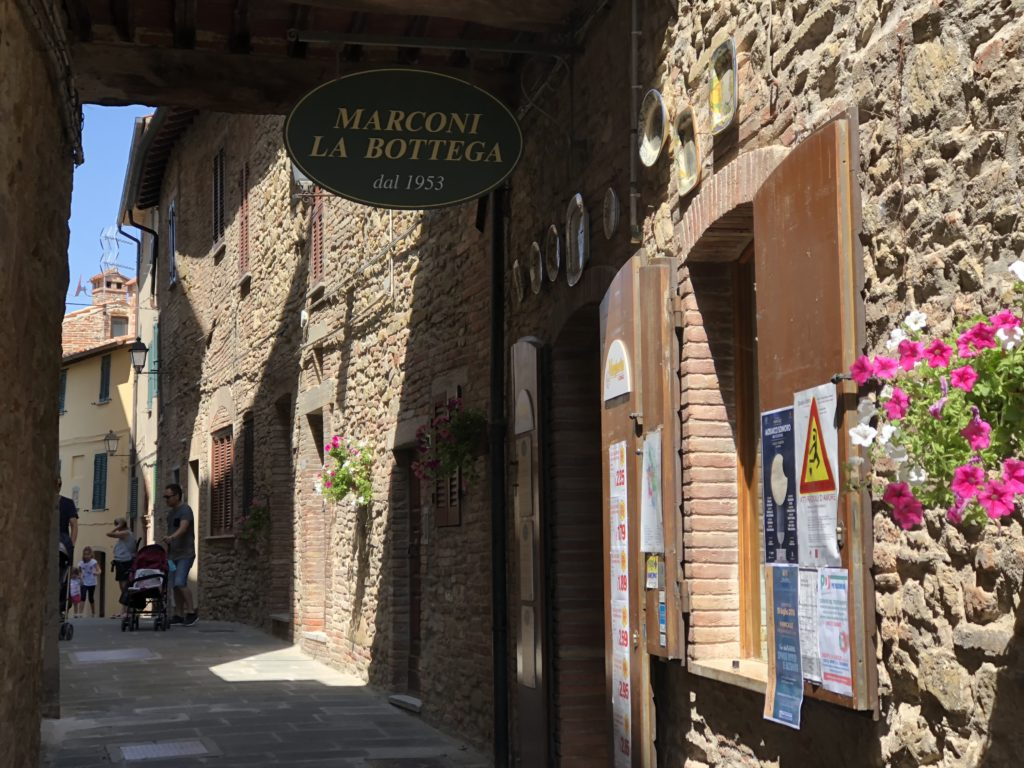 Sunday supermarket in Panicale